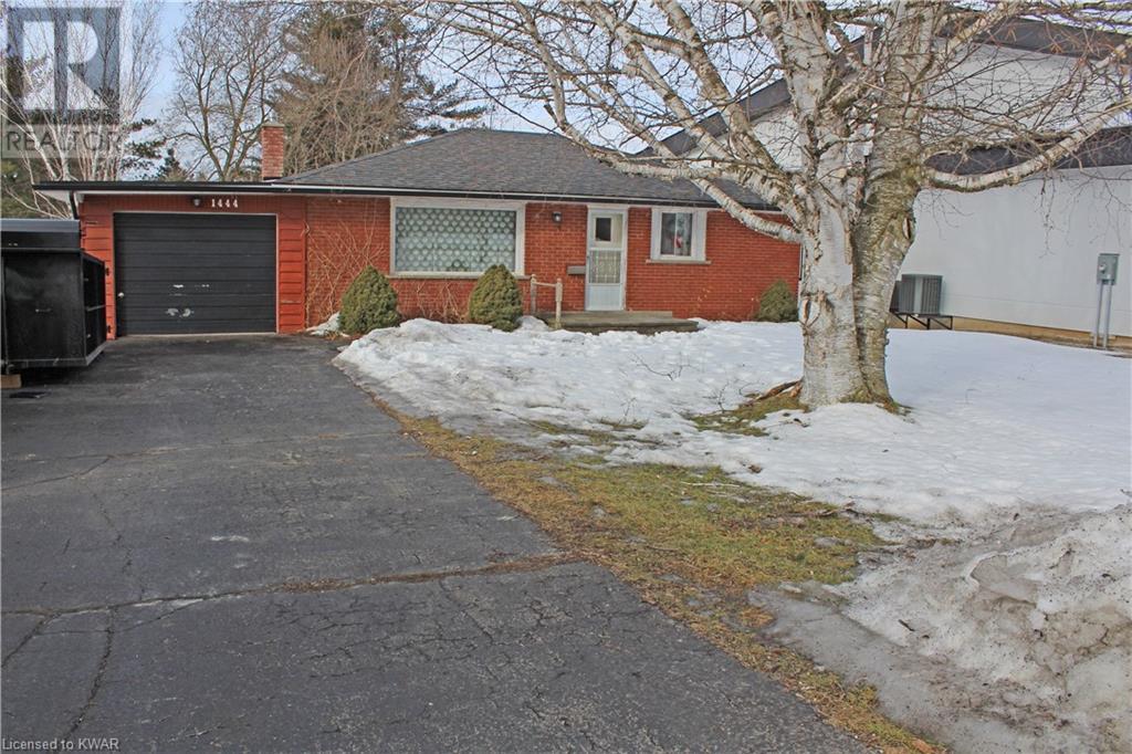 1444 MANNHEIM Road, petersburg, Ontario